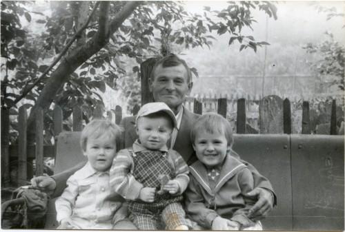 1985 Боготол Дед Ваня, Кирилл, Роман, Николай