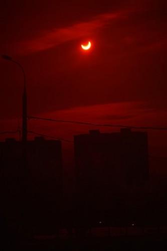 2011-01-04 Затмение Солнца